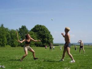 Rundbold på lejren