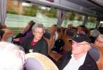 På vej i bussen